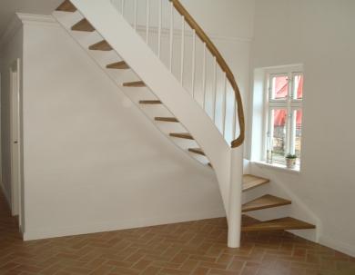 Kvartsvingstrapper,Hvidmalettrapper,Trætrapper,Vangetrapper, Åben trapper